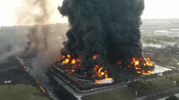 kebakaran-kilang-minyak-pertamina-balongan_169