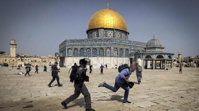 bentrokan-israel-dan-palestina-kembali-pecah-di-masjid-al-aqsa-5_169